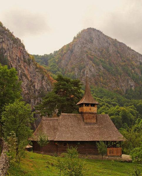 Manastirea Sub Piatra, Salciua