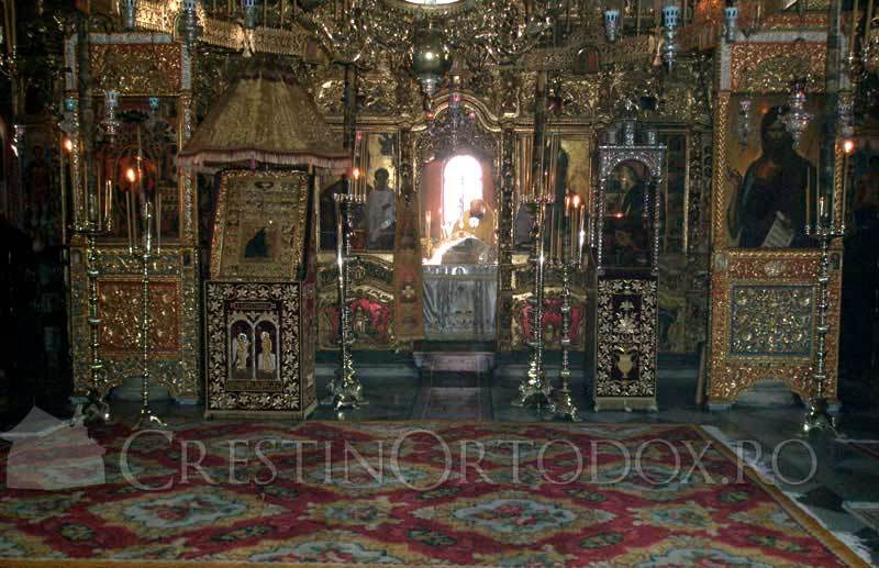 Manastirea Dionisiu - Biserica