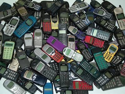 Hai ca ma suna cineva pe celalalt mobil