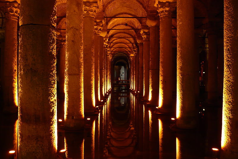 Basilica Cisterne - Palatul Scufundat