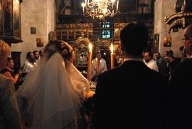 Indrazniti sa va casatoriti in luna mai