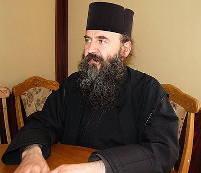 Noul staret al Manastirii Petru Voda a fost ales de Parintele Iustin Parvu