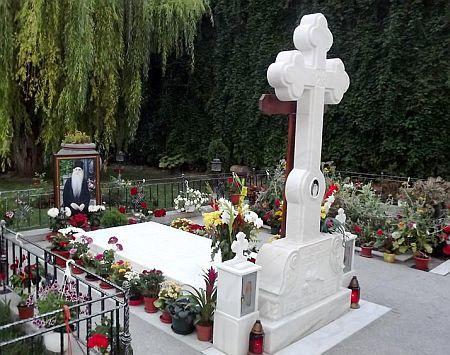 Mormantul Parintelui Arsenie Papacioc