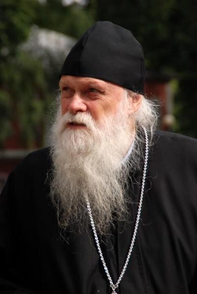 Trebuie sa ne intoarcem la radacinile noastre - Un dialog cu Parintele Gabriel Bunge