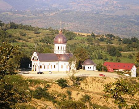 Manastirea Sfintii Trei Ierarhi - Gruiul Lupului