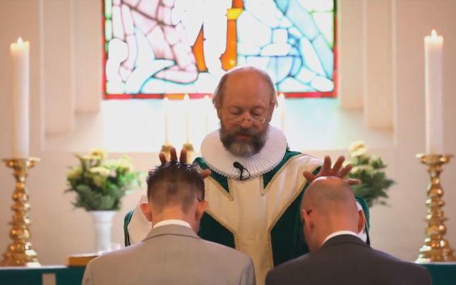 Cum au intrat casatoriile gay in Biserica din Danemarca?