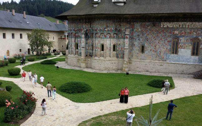 Pelerinaj si turism religios