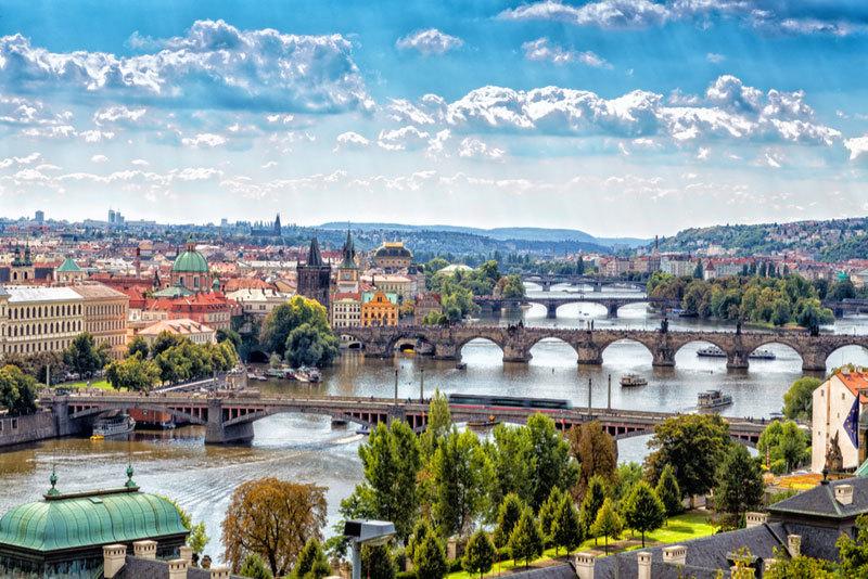 O vacanta plina de spiritualitate si beatitudine incepe cu bilete de avion spre Praga