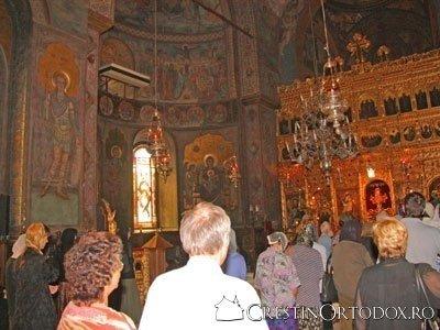 Credinciosi la Sfanta Liturghie