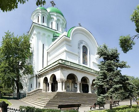 Biserica Casin - Sfintii Arhangheli Mihail si Gavriil
