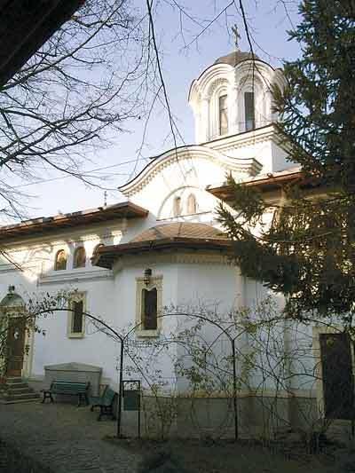 Schitul Darvari - o oaza spirituala in centrul Capitalei
