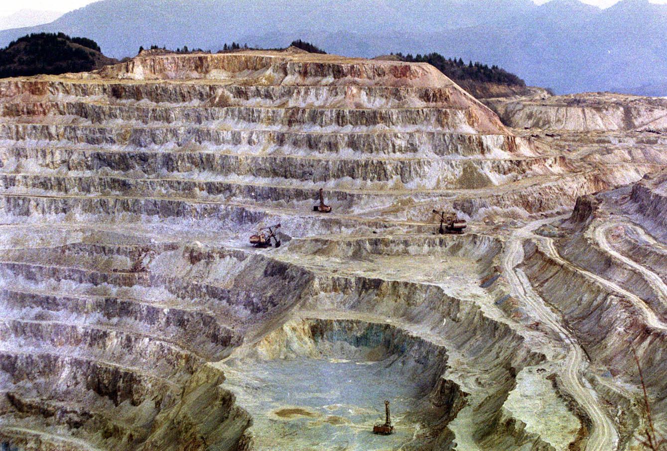 Omul impotriva naturii: Cazul Rosia Montana