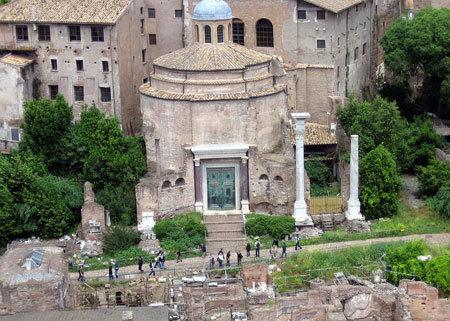 Basilicile pagane si transformarea lor in locasuri crestine de cult