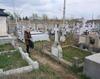Vand 2 locuri de veci Cimitir Chitila Parohial cu bordura si cruce-6mp