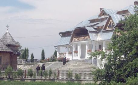 Manastirea Sfanta Treime - Bichigiu