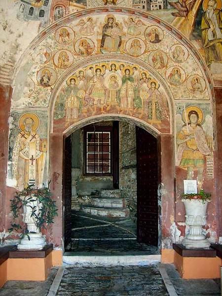 Manastirea Dochiariu - Pridvorul