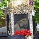 Moastele Sfantului Spiridon purtate in procesiune