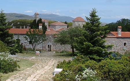 Pelerinaj in Grecia, hram la Sfantul Luca al Crimeei
