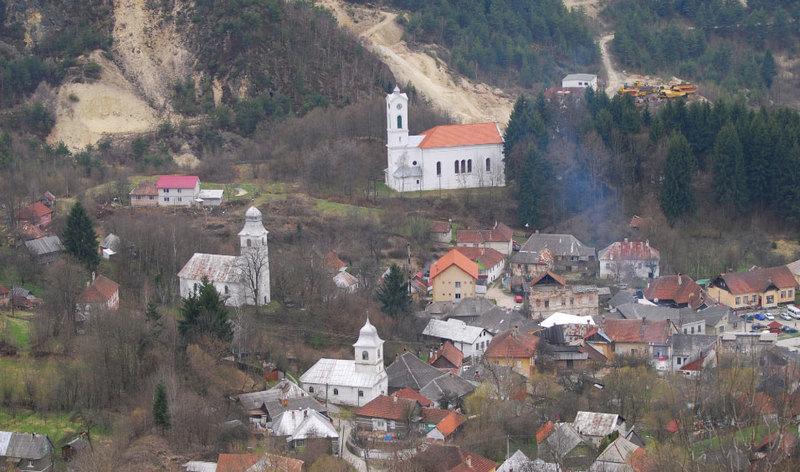 Bisericile din Rosia, jertfite lui Mamona