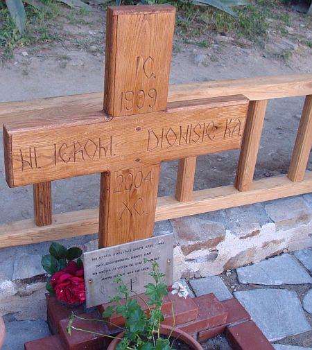Mormantul Parintelui Dionisie Ignat