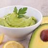 Pasta de avocado cu castraveti si ceapa