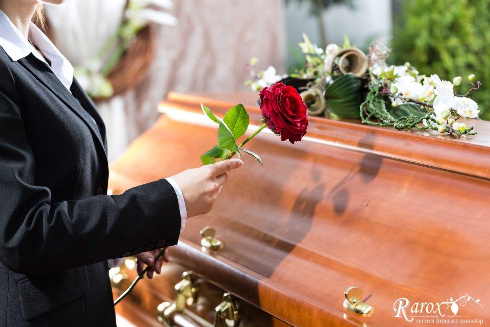 Inmormantarea in vremuri de post si pandemie - ce s-a schimbat, ce trebuie sa stiti