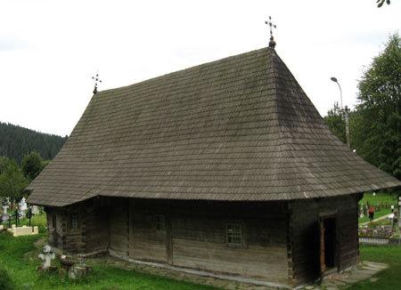 Biserica Veche de lemn din Putna