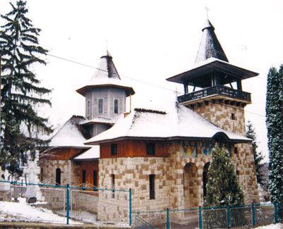 Pietriceaua - o biserica mica din Biserica Mare a neamului romanesc