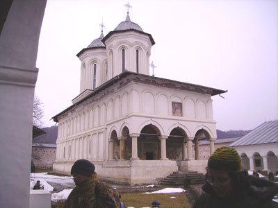 Manastirea Aninoasa -  o mica cetate fortificata