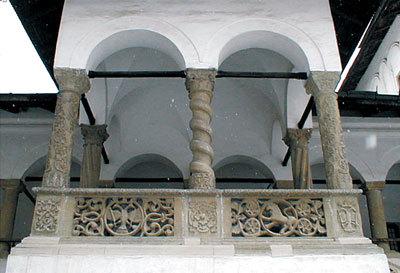Foisorul lui Dionisie - o capodopera a stilului brancovenesc