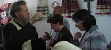 Imagini pentru imagini cu sfințirea caselor