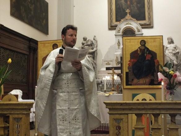 Limbile liturgice - necesare pentru depasirea simplei asistente in cult