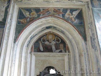 Manastirea Probota - Usa Pronaosului