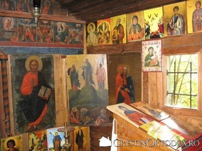 Schitul Sihla - Iconostasul Bisericii Schimbarea la Fata
