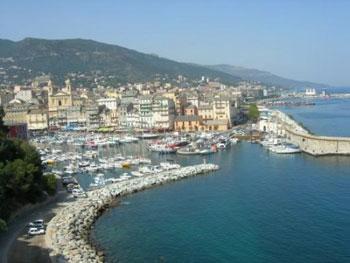 Edificii religioase in Corsica: biserici si capele