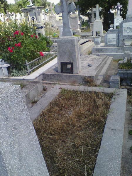Loc de veci in cimitirul Eternitatea Iasi