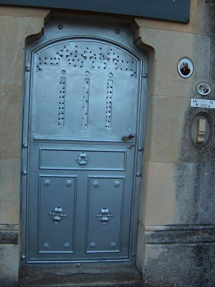 Vand loc de veci ultracentral in Cimitirul Eternitatea din Iasi