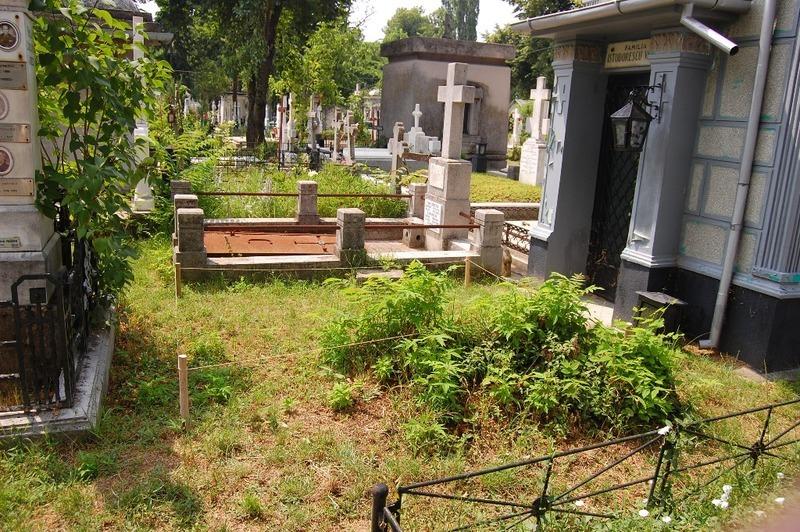Cedez loc de veci dublu in cimitirul Bellu