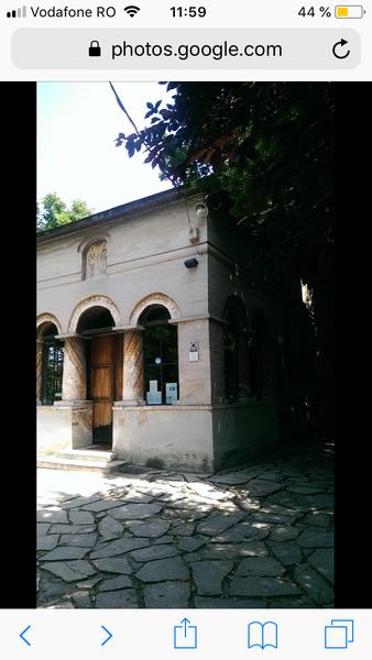 Loc de veci Marcuța.