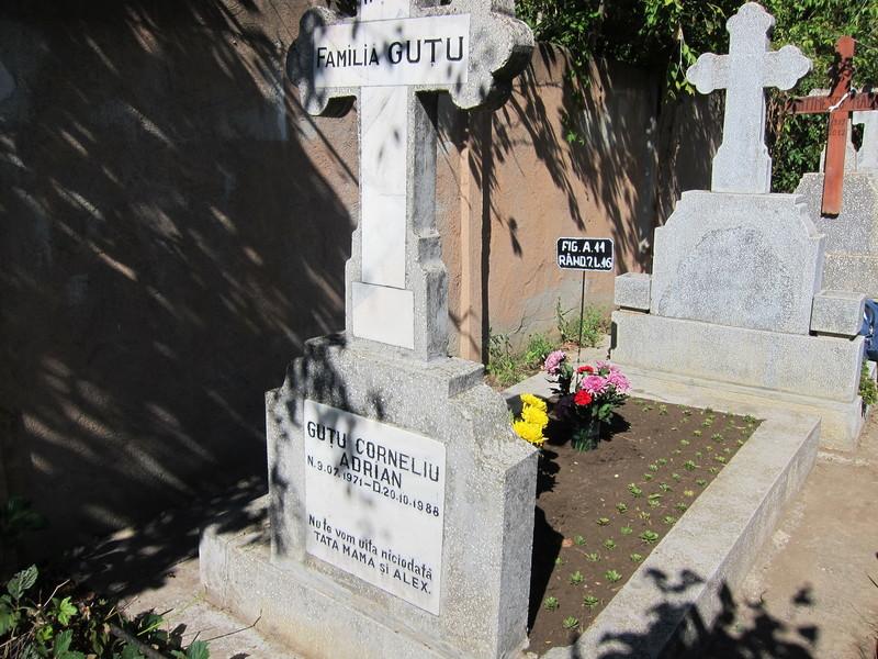 Vand Loc de Veci cimitirul Damaroaia Bucuresti