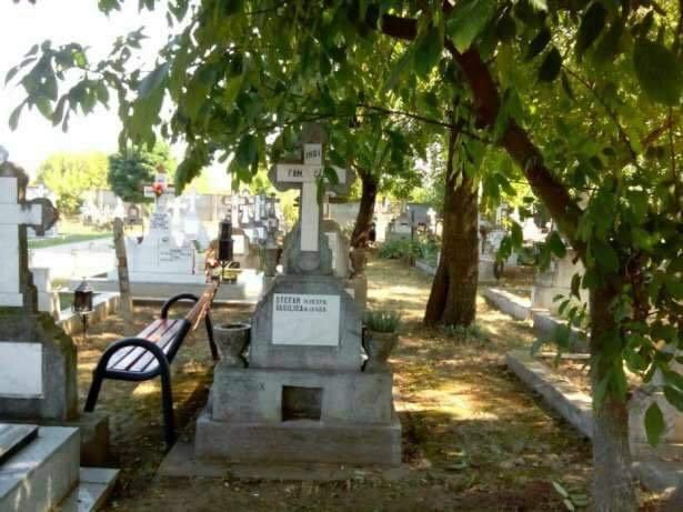 Loc de veci cavou cu 2 cripte Cimitirul Domnesti Ghencea 2