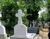 Loc de veci cimitirul Sfanta Vineri, 4 cripte, cruce marmura