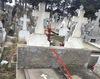 Vand 1 loc veci cu 2 cripte si cruce marmura situat central liber de oseminte