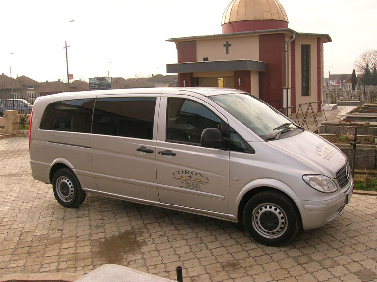 Transport coroane funerare