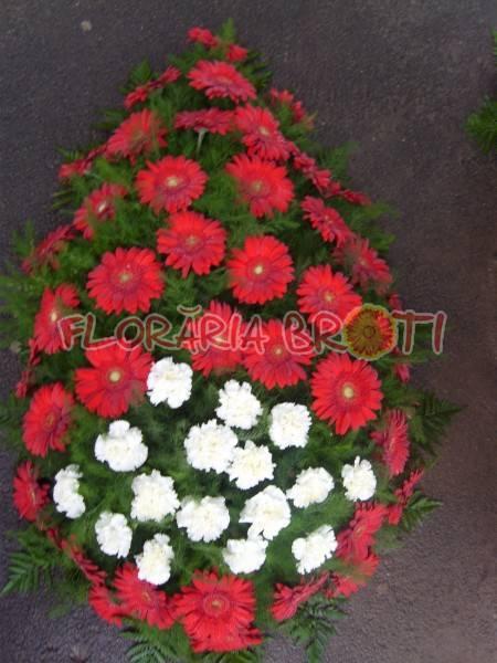 Coroana funerara din gerbera rosie si garoafe albe