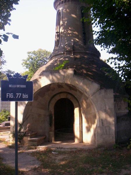 Vand URGENT cavou in cimitirul BELLU Ortodox