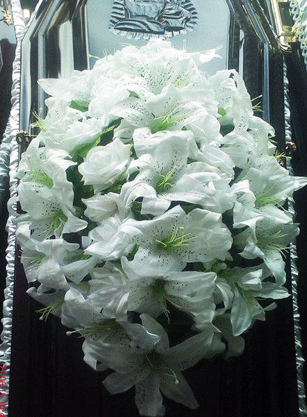 Coroana funerara flori artificiale